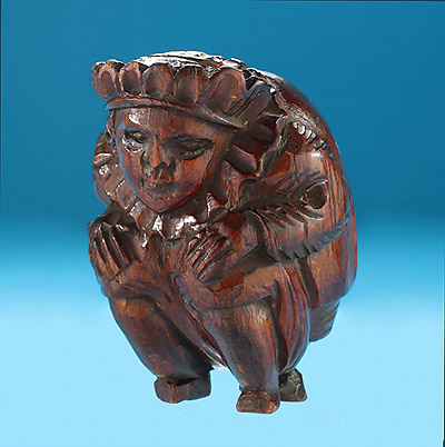 Carved Fruitwood Figural Snuff Box, Crowned Hunchback with Neck Ruff, c1790