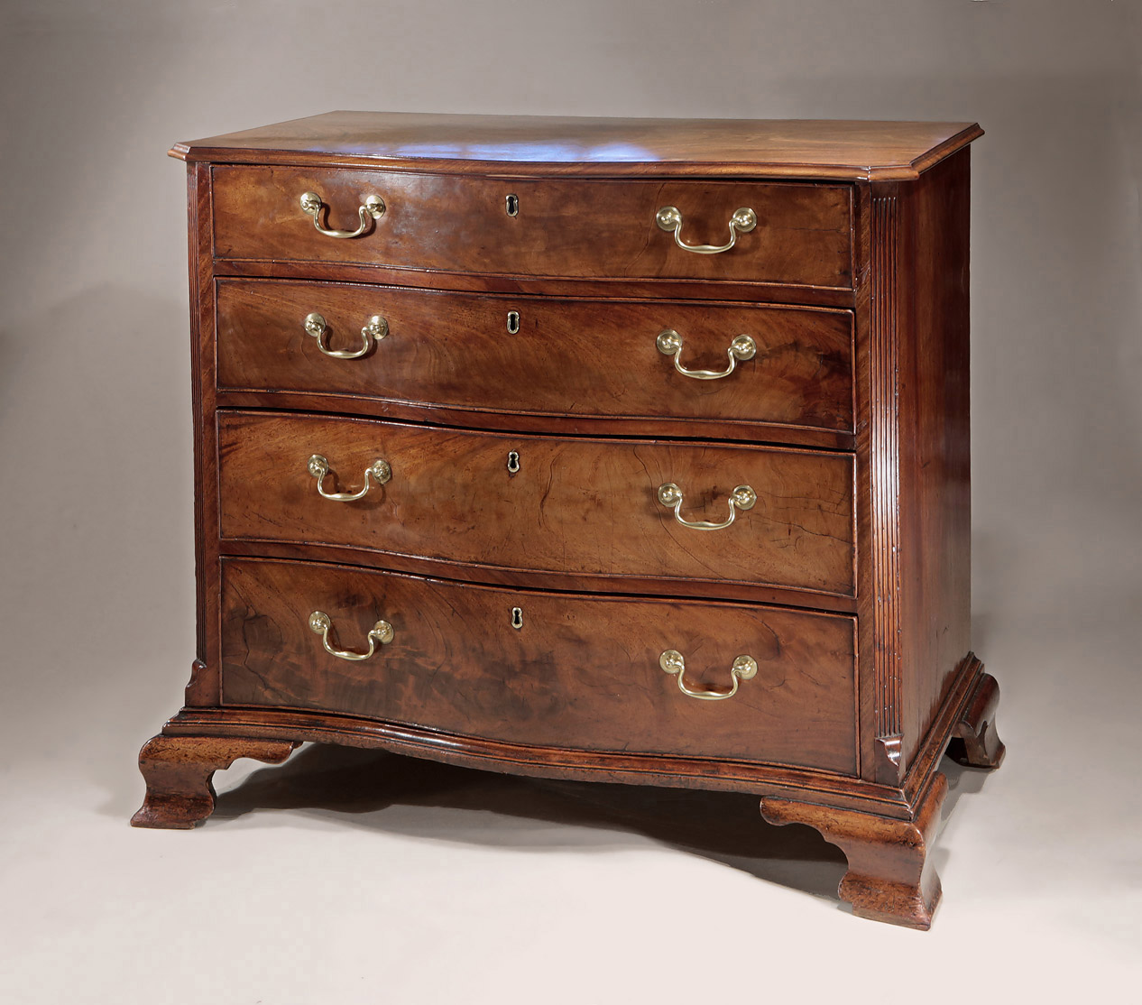 Fine_Early_George_III_Mahogany_Serpentine_Chest_c1760_1