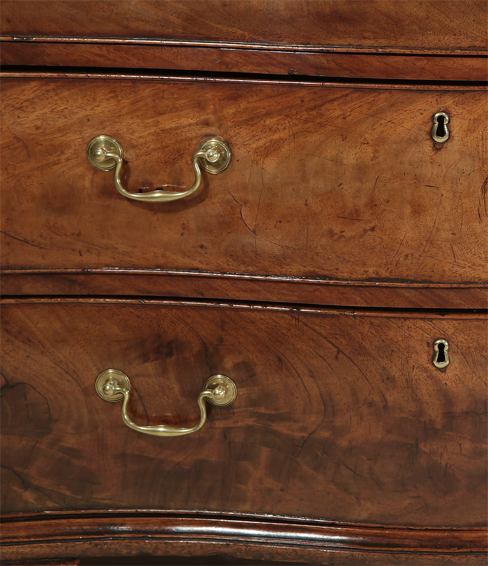 Fine_Early_George_III_Mahogany_Serpentine_Chest_c1760_drawer_brass_detail