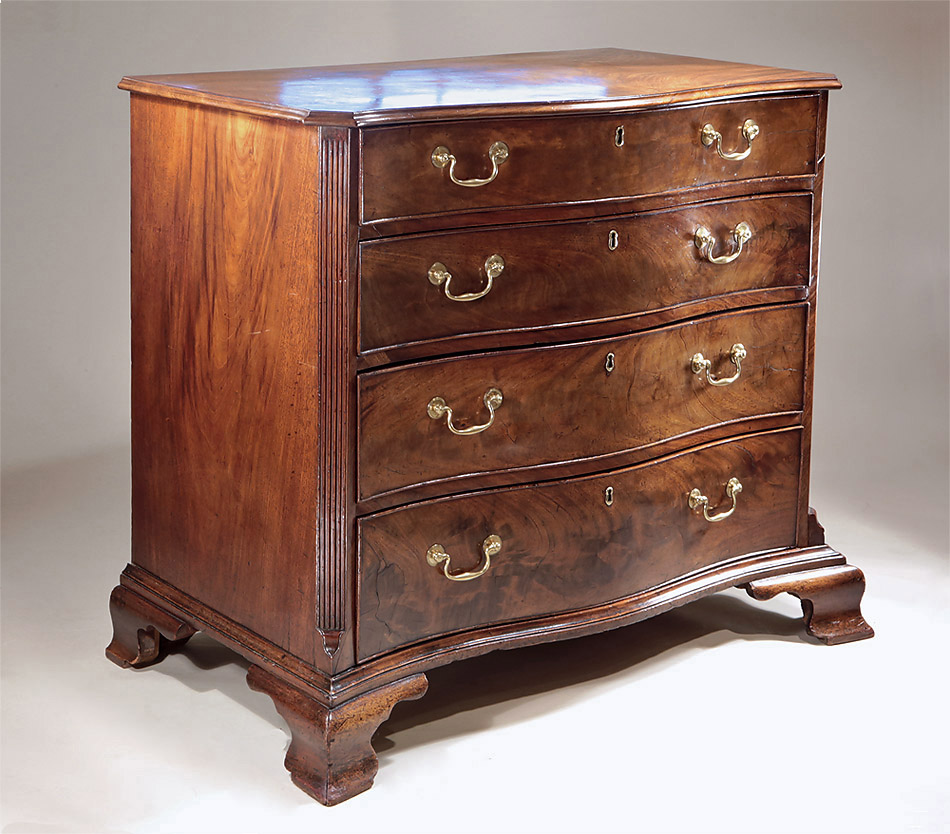 Fine_Early_George_III_Mahogany_Serpentine_Chest_c1760_oblique_2