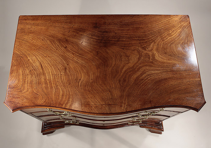 Fine_Early_George_III_Mahogany_Serpentine_Chest_c1760_top_1_700w