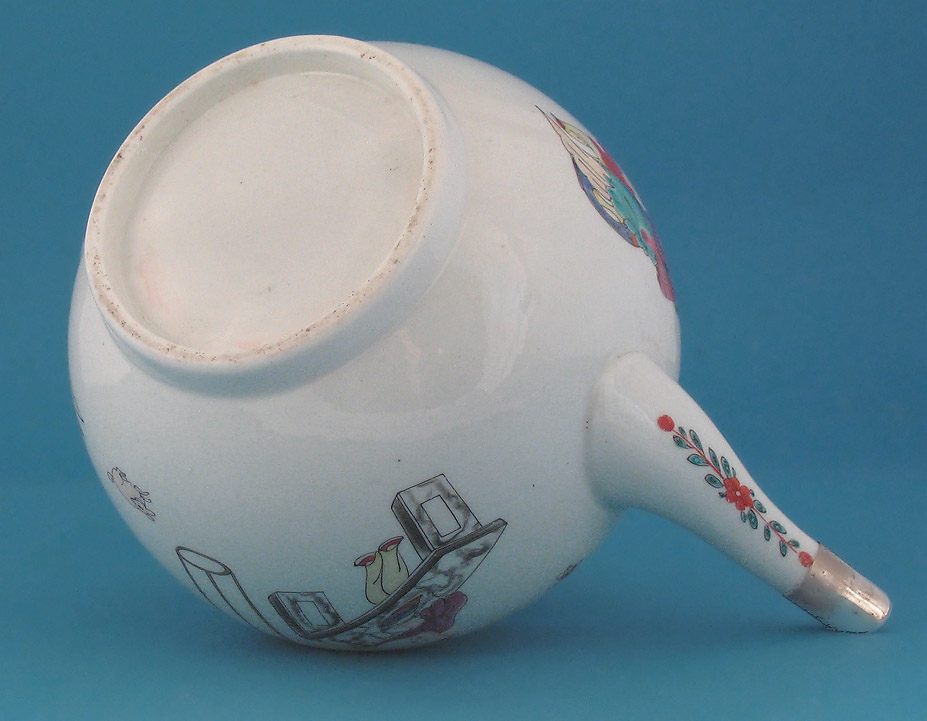 First Period Worcester Teapot & Cover, Chinese Family, c1760-65, verso