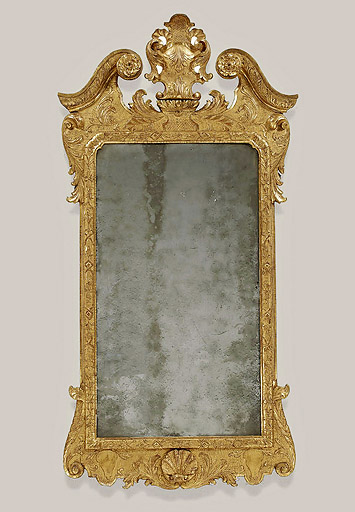Good George I / II Gesso and Giltwood Looking Glass, c1720-40, original gilt and plate