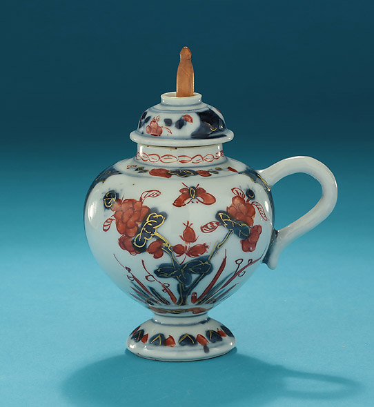 Kangxi Chinese Imari Mustard Pot and Pierced Cover In the Western Form, China, c1662-1722