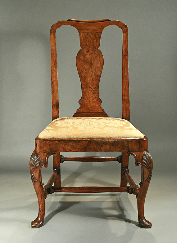LATE QUEEN ANNE / EARLY GEORGE I WALNUT SIDE CHAIR, England, c1710-20 - Antique Queen Anne Chair Antique Furniture