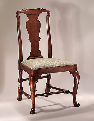 Queen Anne / George I Carved Walnut Sidechair, England, c1710-20, Chinese influence to crestrail carving