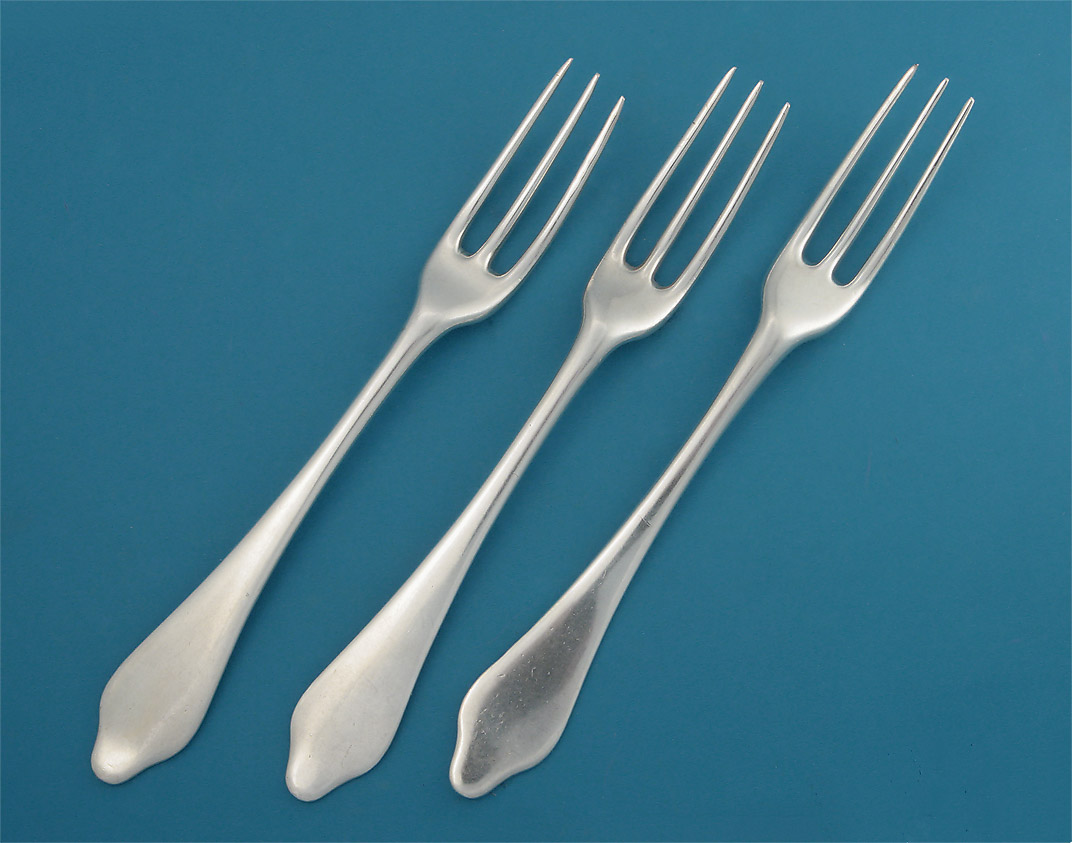 how to use knives and forks 3 course meal